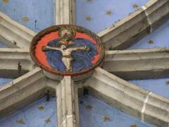 Eglise Saint-Exupère - Une clé de voûte représentant le Christ en croix, église Saint-Exupère, Arreau, Hautes-Pyrénées, France