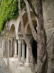 Abbaye de l'Escaladieu - English: Cloister of the abbey of Escaladieu (Hautes-Pyrénées, France)