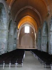Abbaye de l'Escaladieu - Deutsch: Kircheninneres nach Osten