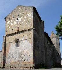 Eglise de Mazères - Français:   Castelnau-Rivière-Basse - Mazères - Église Saint-Jean-Baptiste - Chevet et côté nord