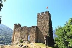 Restes du château de Sainte-Marie - Château d'Esterre (Hautes-Pyrénées)