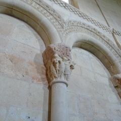Eglise Sainte-Marie - vue d'un chapiteau du choeur