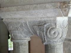 Eglise Saint-Savin - Chapiteaux de la salle capitulaire, abbaye de Saint-Savin, Hautes-Pyrénées, France.