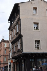 Immeuble -  Rue Mariés / Rue Sainte-Claire; Albi, Midi-Pyrénées, France