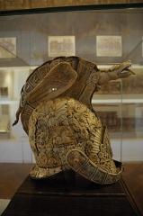 Ancien palais épiscopal - English: George II's helmet (1727)