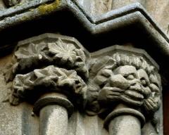 Maison du Grand Veneur - Maison du Grand Veneur, détail de la façade: tireur de bouche (mouthpuller).