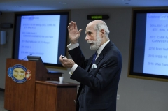 Maison du 14e siècle -  Dr. Vint Cerf, vice president and chief internet evangelist at Google, talks about the government's role in computer science and computer networking research as part of the Office of Naval Research's (ONR) 70th Anniversary Edition Distinguished Lecture Series. ONR is celebrating 70 years of innovation in 2016. For seven decades, ONR through its commands, including ONR Global and the Naval Research Laboratory in Washington, D.C., has been leading the discovery, development and delivery of technology innovations for the Navy and Marine Corps. (U.S. Navy photo by John F. Williams/Released)