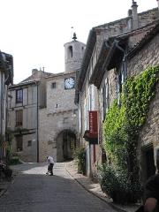 Porte de ville dite de l'Horloge - English: Medieval Door in Cordes-sur-Ciel, Tarn, France