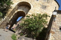 Porte de ville, dite Porte des Ormeaux - Occitan: Carrièra de Còrdoas a l'estiu de 2016.