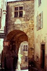 Porte de Rous -  Porte de Rous, Cordes-sur-Ciel, Tarn. Ancien musée Portal