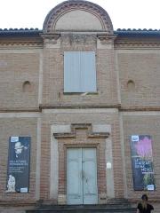 Château d'Hutaud - Français:   Porte d\'entrée sur le parc, prise en avril 2016 vers 18h.