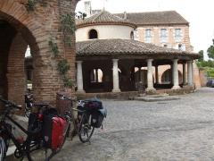 Ancienne halle aux grains - Deutsch: Alte Markthalle in Auvillar (fr)