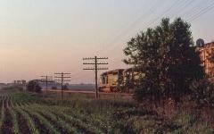 Maison du 15e siècle -  19960615 03 BNSF near Lee, Illinois