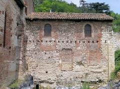 Eglise Saint-Martin - Français:   Moissac - Église Saint-Martin - Partie orientale de l\'église construite sur un hypocauste gallo-romain.