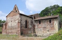 Eglise Saint-Martin - Français:   Moissac - Église Saint-Martin - Partie orientale, à droite, correspondant au choeur de l\'église et la chapelle sud, à gauche.