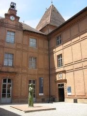 Ancien palais épiscopal, ancien Hôtel de ville, actuellement musée Ingres - Montauban (Tarn-et-Garonne, France): Musée Ingres.