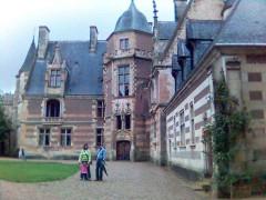 Château -  Slottet Ainay-le-Viel, Frankrike