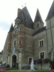 Château - Français:   Château des Stuarts à Aubigny sur Nère