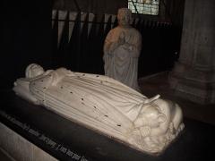 Cathédrale Saint-Etienne - Tombeau de Jean de Berry dans la crypte de la cathédrale Saint Etienne de Bourges.
