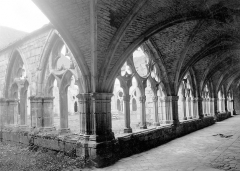 Ancienne abbaye de Noirlac - French photographer and publisher