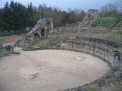 Vestiges gallo-romains -  Cher Drevant Theatre Romain 08042010
