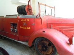 Château - English: Historical Fire Engine