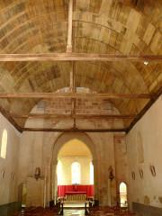 Eglise Saint-Julien - Français:   Osmery - Eglise Saint-Julien - Nef