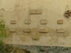 Abbaye Saint-Martin de Plaimpied - Français:   épitaphes des moines venant du cloître