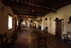 Ruines du château - Deutsch: Burg Sagonne im französischen Département Cher - Saal der Wachen