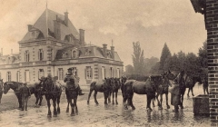 Château de Baronville - English: A photograph of an old postcard: The Chatelet, or