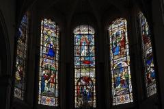 Eglise Notre-Dame - Deutsch: Katholische Pfarrkirche Notre-Dame in Bû im Département Eure-et-Loir (Centre-Val de Loire/Frankreich), Bleiglasfenster im Chor