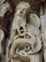 Cathédrale Notre-Dame - Français:   Ébrasement droit du portail central du porche nord de la cathédrale Notre-Dame de Chartres (28). Saint-Jean-Baptiste.