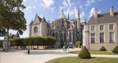 Ancien évêché et ses jardins, actuellement Musée des Beaux-Arts - Deutsch: Chartres Kathedrale, Chorapsiden