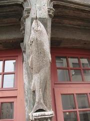 Maison du Saumon - English: Detail of the Salmon House (salmon)