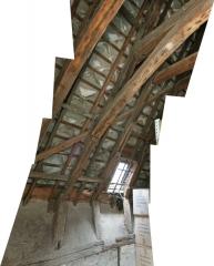 Maison dite Maison de la Voûte, ancien grenier à sel - Français:   Chartres, Maison de la Voûte. Charpente à chevrons-portant-ferme, pieds de ferme, jusqu\'au départ du faux-entrait.