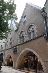 Maison dite Maison de la Voûte, ancien grenier à sel - English: Maison de la Voûte in Chartres