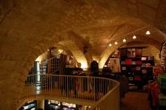 Maison dite Maison de la Voûte, ancien grenier à sel - English: Inside of the Maison de la Voûte in Chartres - the vault