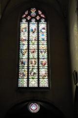 Eglise Saint-Etienne - Français:   Verrières Scènes de la vie du Christ et de la vie de la Vierge (baie 107, 1897) et Présentation de la Vierge au Temple (baie 16, 1921), église Saint-Étienne, Janville, Eure-et-Loir (France).