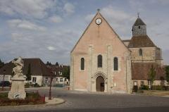 Eglise Saint-Cyr et Sainte-Julitte -  Église Saint-Cyr-et-Sainte-Julitte de Jouy (Eure-et-Loir, France)