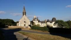 Château de Moléans - English: The church and the Château de Moléans (Eure-et-Loir, France).