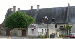 Ensemble castral - Français:   Châtillon-sur-Indre - Château - Logis, partie nord, côté ouest