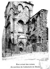 Ancienne abbaye Notre-Dame-du-Bourg-Dieu - Français:   Abbaye de Déols, état vers 1920
