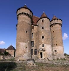 Château - Deutsch: Schloss Sarzay im französischen Département Indre - Südseite mit später angebautem Treppenturm, der keine Pechnasen besitzt.