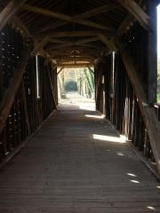 Pont couvert en bois - Français:   vue intérieure du Pont de bois de Chabenet. Commune Pont-Chrétien-Chabenet (Indre).36800