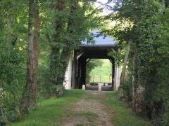 Pont couvert en bois - Français:   Le_Pont_de_Bois,_Le_Pont-Chrétien-Chabenet_(Indre)