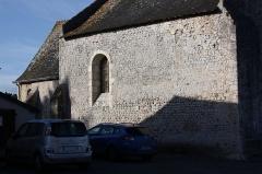 Eglise Saint-Symphorien-les-Ponceaux - Français:   Saint-Symphorien-les-Ponceaux - Eglise Saint-Symphorien Mur Nord bâti en en petit appareil (premier art roman)
