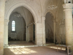 Ancienne église Saint-Laurent - English: Inner view of Saint Laurent church (Beaulieu-lès-Loches, France)