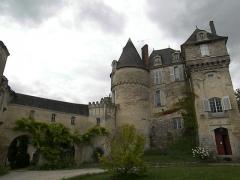 Château -  une vue du château privé de LA CELLE GUENAND 37350 18-08-2007 martine   wikipedia page - Château de La Celle-Guénand [1]
