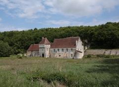 Ancien monastère dit La Corroierie - Deutsch: Ehemaliges Kartäuserklosters Chartreuse Saint-Jean du Liget in der französischen Gemeinde Chemillé-sur-Indrois im Département Indre-et-Loire - Der mittelalterliche Bauernhof La Corroierie gehörte zum Kloster.