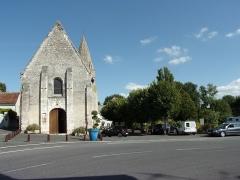 Eglise paroissiale Saint-Urbain - Français:   L\'église et la place de l\'église